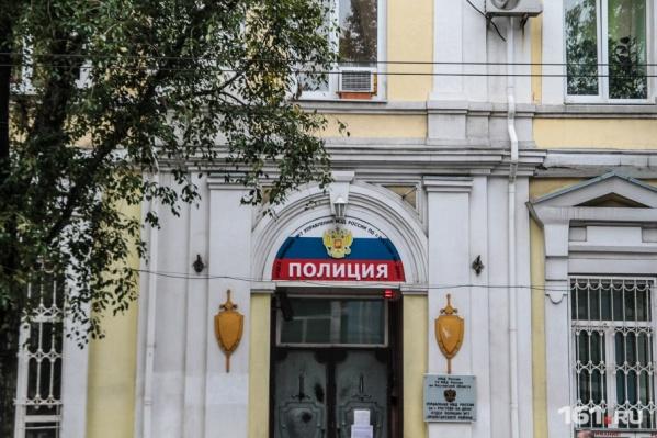 Свидетели сообщили о конфликте на Крепостном в отдел полиции