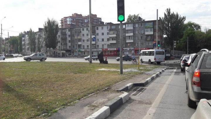 В Ростове площадь Ополчения заливает водой