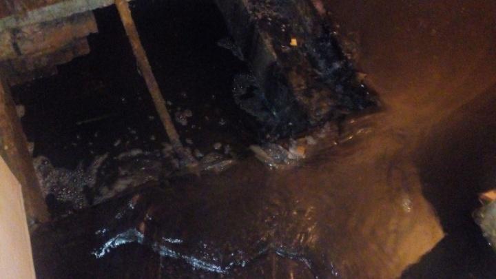 Потоп в подвале детской областной больницы коммунальщики не могли устранить четыре дня