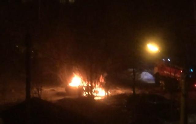 На Ленинградском проспекте сожгли «Рэндж-Ровер»