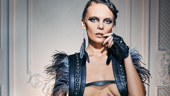 Тюменке, которая метит на обложку Playboy, устроили откровенную фотосессию и тест на эрудицию
