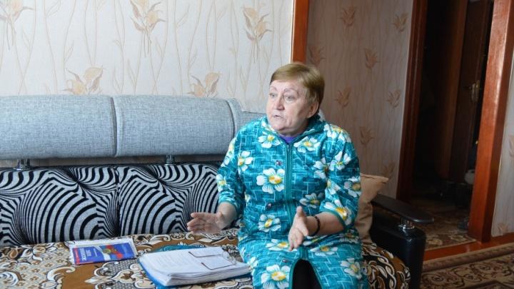 «Они мне по голове ногами ходят»: в Волгограде соседи устроили войну из-за деревянного пола