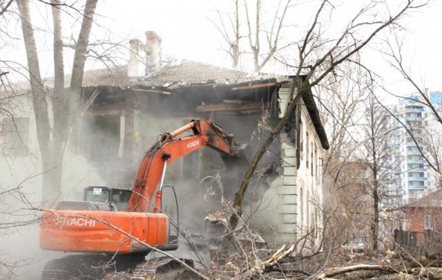 Расселены 104 семьи: в Перми сносят аварийные дома