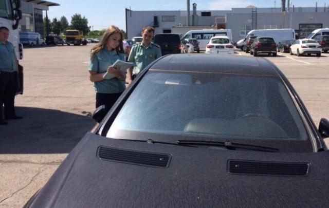 Житель Самары лишился автомобиля Mercedes-Benz из-за долга по кредиту