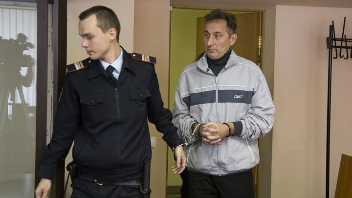 Главврачу челябинского облвоенкомата продлили срок ареста по делу о взятке