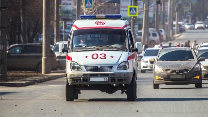 В Самаре медработники задержали хулигана, который разбил лобовое стекло машины скорой помощи