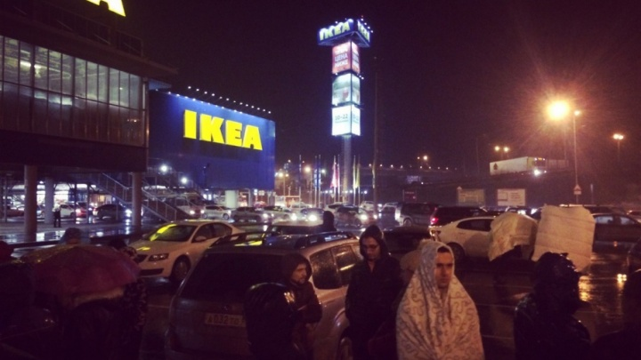 Опять эвакуация: неизвестные в Ростове «заминировали» «Мегу»