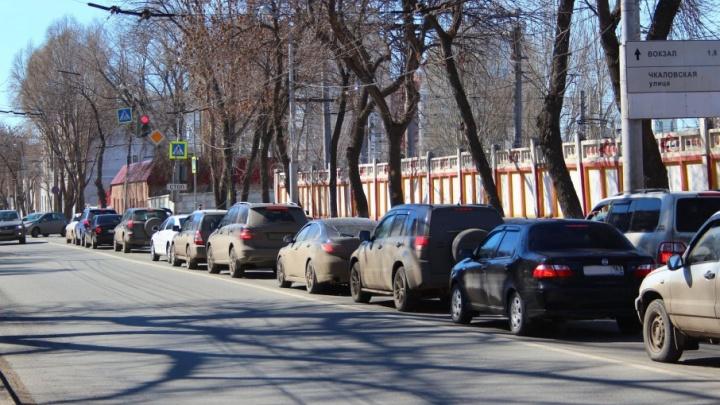 Шантажировал водителей через записки: житель Тольятти попал под суд за кражу номеров