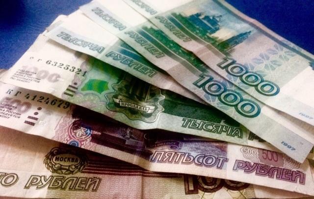 В Ростове серийная интернет-мошенница выдавала бижутерию за драгоценности