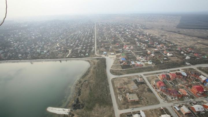 Жителям донского дачного поселка отказались включать воду даже по суду