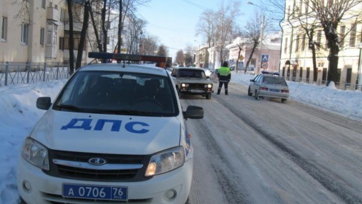 В Ярославской области «девятка» сбила двух человек