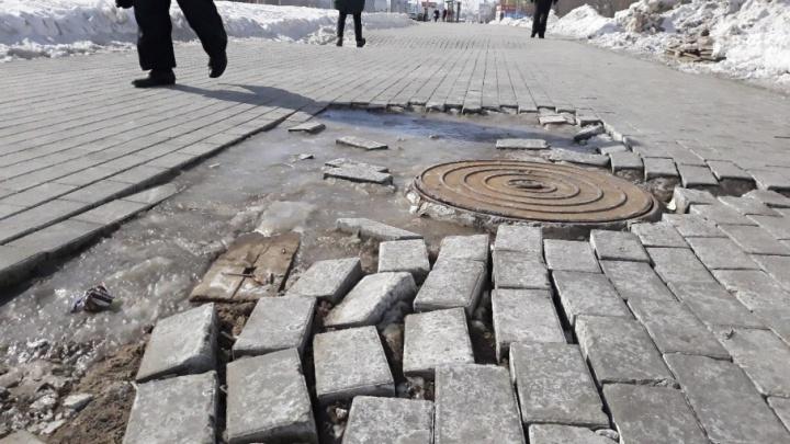 Очевидцы: на Московском шоссе «растаяла» плитка
