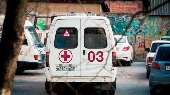 В Ростовской области на мужчину рухнула бетонная стена