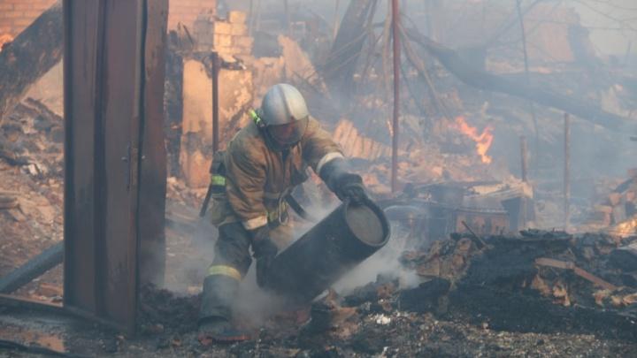 Ночью в Ростове произошло новое возгорание на улице Ульяновской