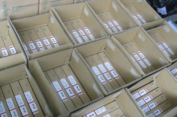 На коробках нашли признаки контрафакта