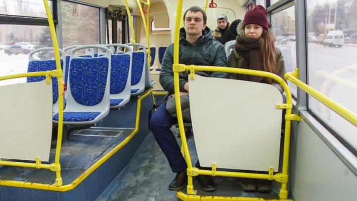 В Волгограде водитель автобуса № 55 торговал на остановке марихуаной