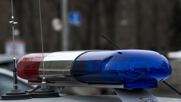 Пьяный мужчина выскочил на дорогу и оказался под колесами иномарки на Магнитогорской