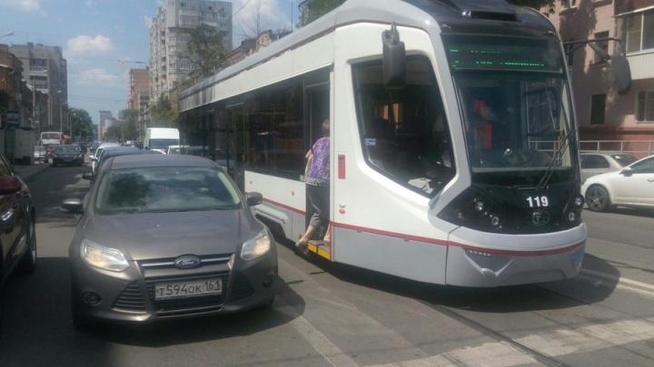 Трамваи ходят: ростовские чиновники пообещали расплатиться с долгами за электроснабжение