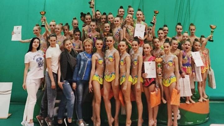 Ростовские спортсменки стали первыми в состязаниях по художественной гимнастике