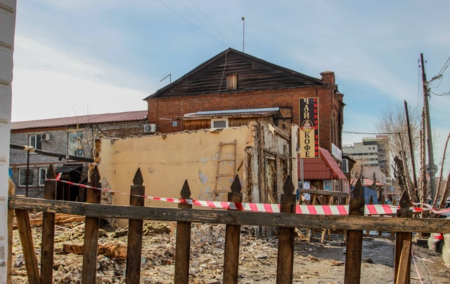 Тефтелев: парковка на месте старинной усадьбы строится без разрешения