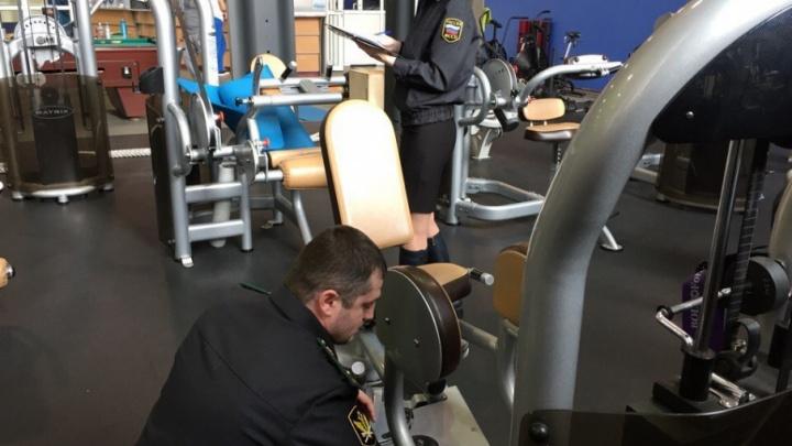 Приставы арестовали крупный ярославский фитнес-клуб за долги по зарплате