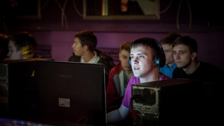 Школьники из Котласа взяли бронзу на всероссийском турнире по киберспорту