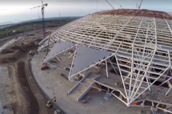 Монтаж покрытия купола планируют завершить до конца сентября