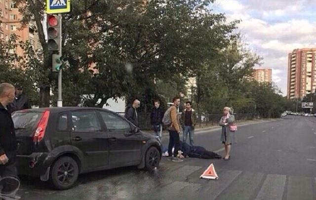 В Ростове на зебре сбили пенсионерку