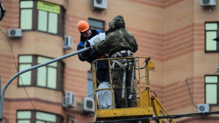 Перед Новым годом без света останутся сотни многоквартирных и частных домов Ростова