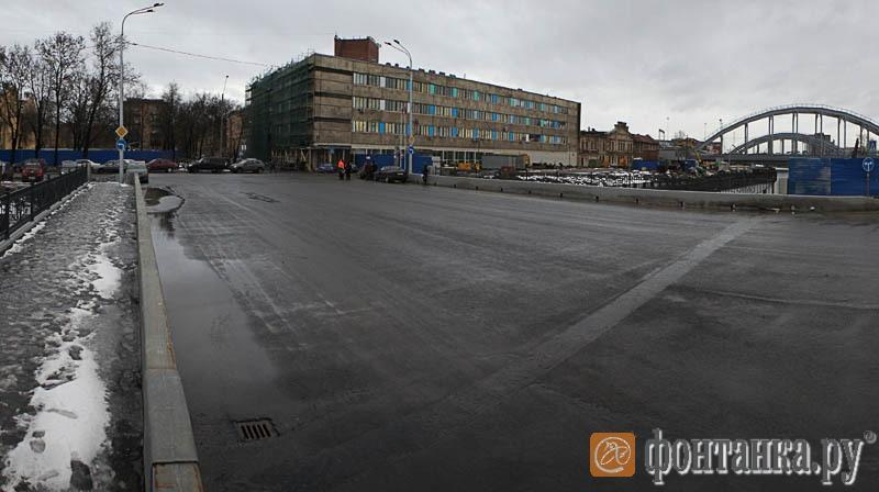 Новый действующий мост в створе Днепропетровской улицы