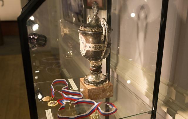 Сегодня в Ярославле открыли хоккейную выставку «Первое чемпионство»: фото