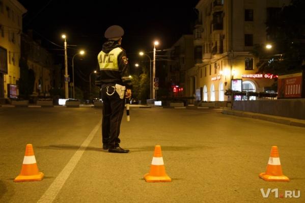 Полицейские перекроют дорогу для самих себя