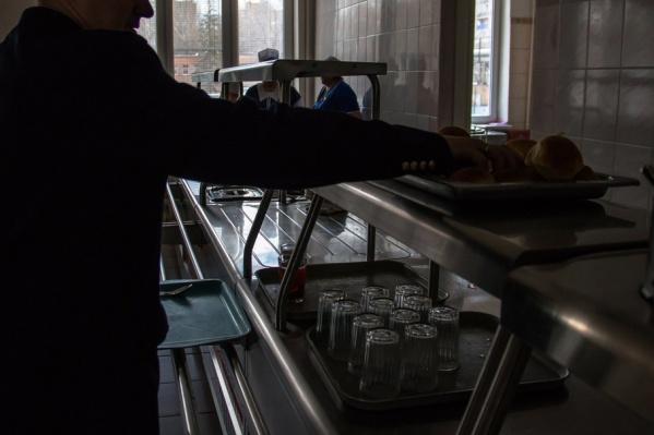 Прокуратура считает, что детей кормили с нарушением правил