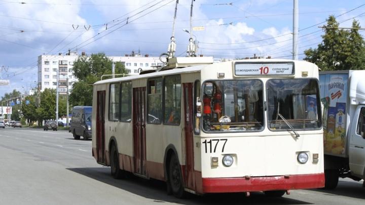 Из-за ремонта дороги троллейбусы в Ленинском районе изменят маршруты