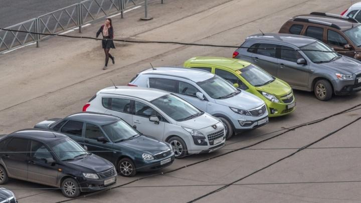 «Самара не идет в хвосте в вопросе обустройства платных парковок»: мэрия опровергла заявления общественника