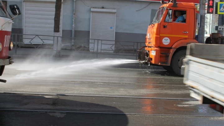 Смыть битумные пятна:  улицы Самары отмоют с шампунем в июне