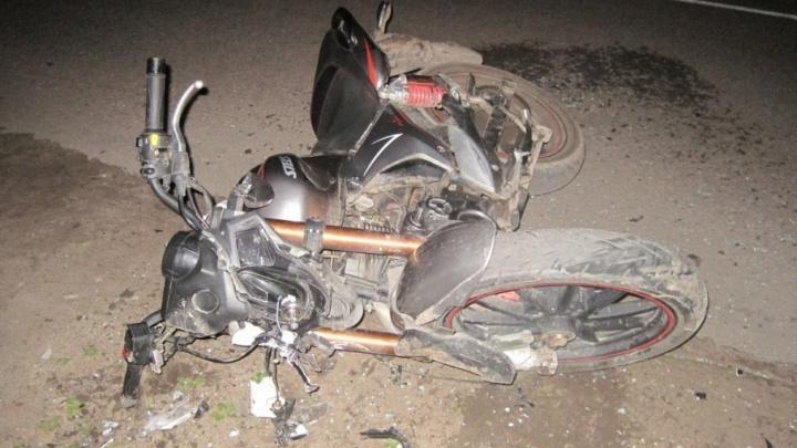 Под Шенкурском 15-летний мотоциклист попал в больницу с переломами после ДТП с «Киа-Рио»
