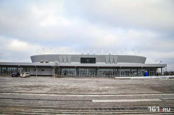 Территорию вокруг стадиона все еще не обустроили