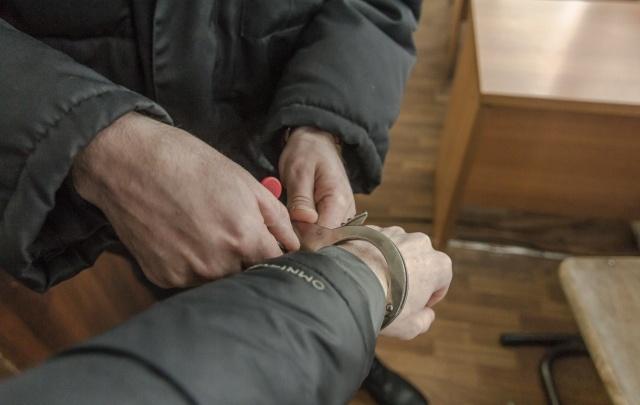 В Самарской области полицейские поймали мужчину со свертками героина