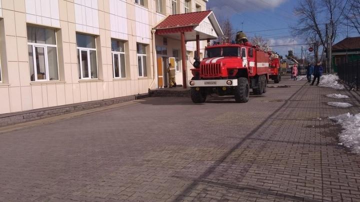 В ялуторовской школе произошел пожар