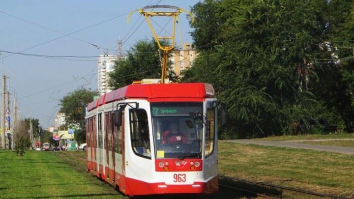 По улицам Самары начали курсировать новые трехсекционные трамваи