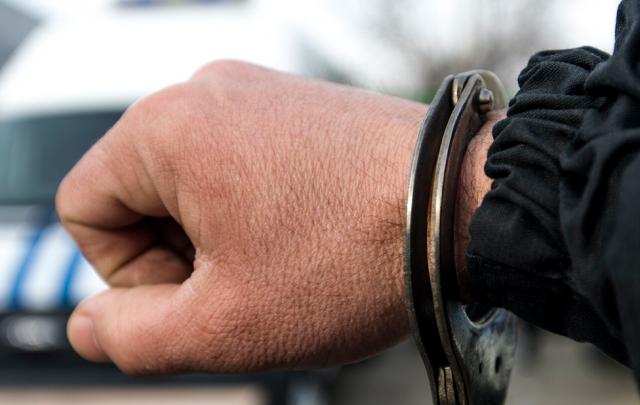 В Новочеркасске подозреваемый в мошенничестве пытался подкупить полицейского