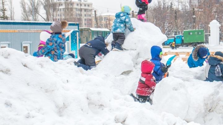 ГИБДД предлагает ограничить движение машин в самарских дворах для безопасности детей