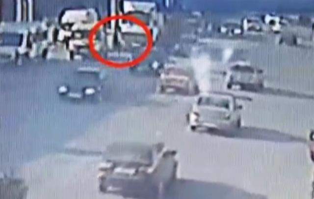 Гибель женщины под колесами МАЗа в Волгограде попала на видео