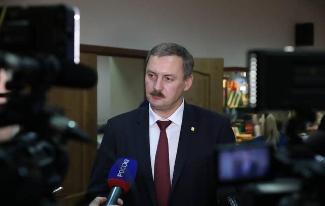 С того на этот свет: депутаты оценили отчет главы Архангельска