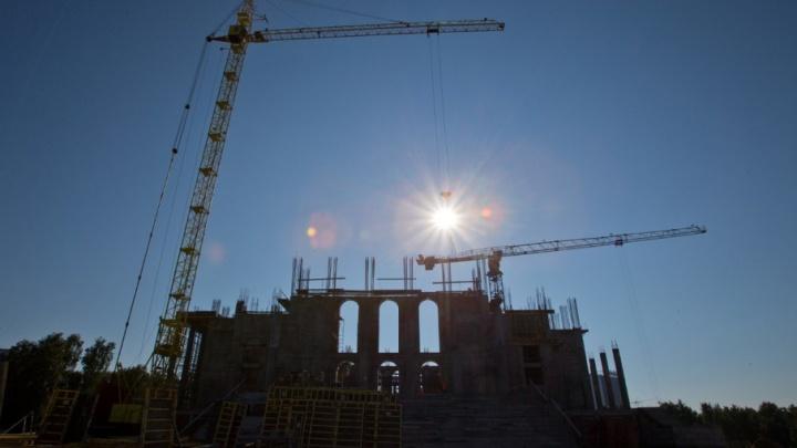 200 тонн арматуры: стены кафедрального собора в Челябинске подняли до 17 метров