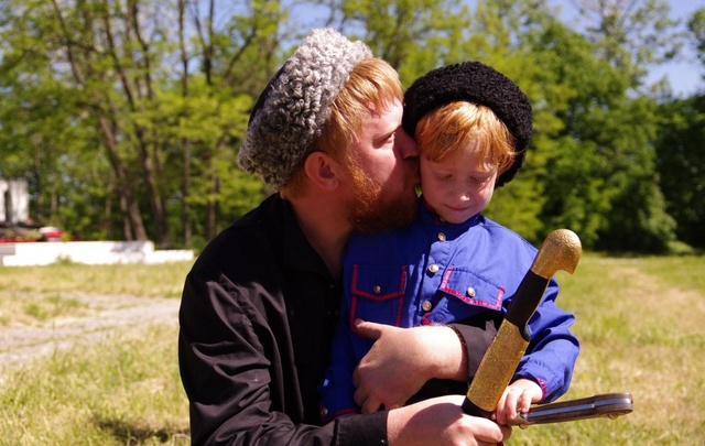Селедка, джигитовка и донской рылей: казачьи игры ждут ростовчан в мае