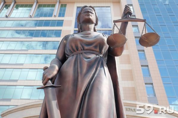 Женщина обратилась в суд и потребовала с компании-подрядчика возмещение морального вреда