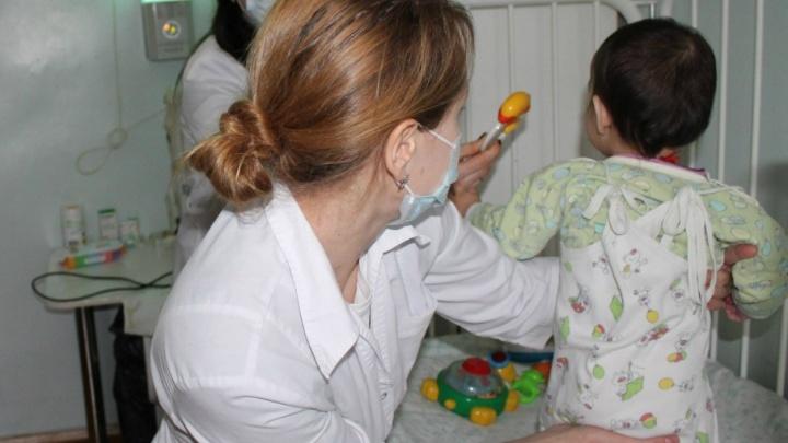 Детский омбудсмен навестил ребенка, брошенного мамой: в каком состоянии малышка