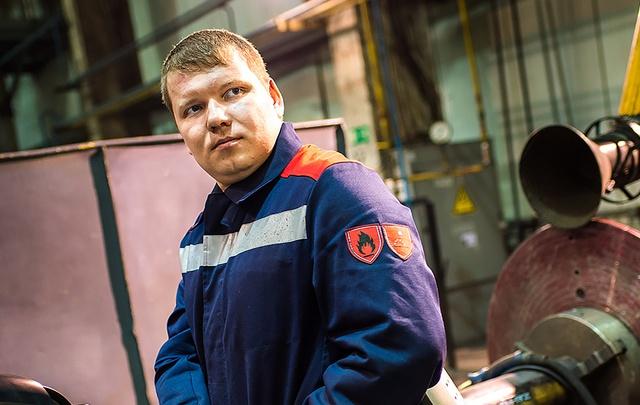 Суровый на заводе и романтичный дома: сварщик из Челябинска пересчитал все звёзды